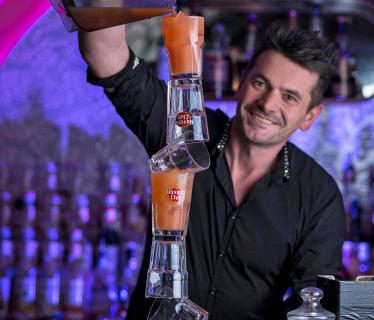 Stefan Haneder Cocktails mixen ein Erlebnis